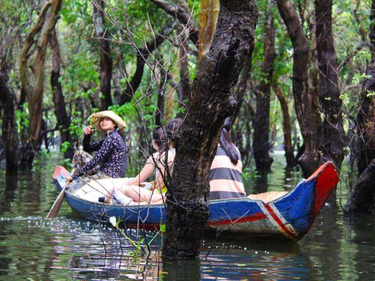 800 - Kambodscha - floating-956749_1920