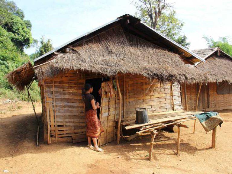 800 - Laos - village-2042172_1920