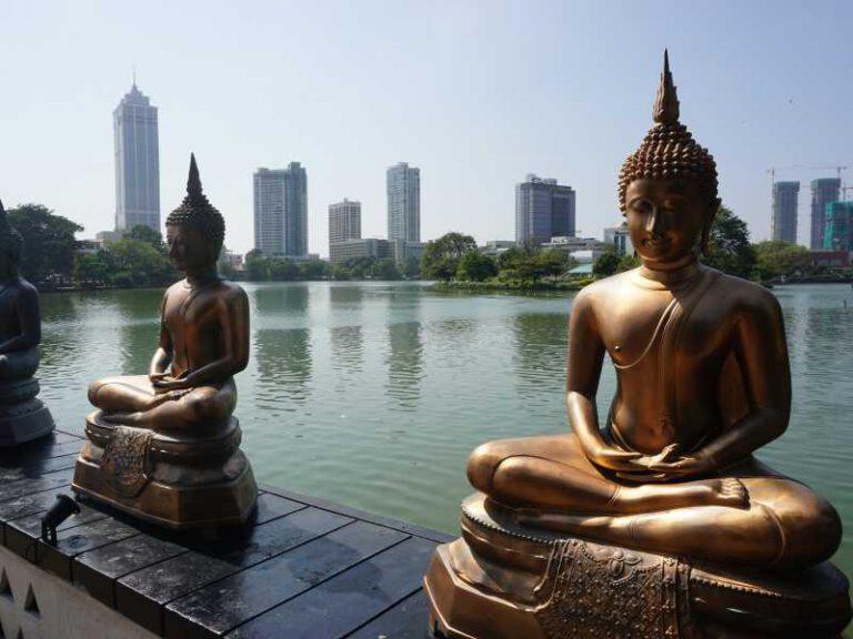 800 - Sri Lanka - statues-2314216_1920