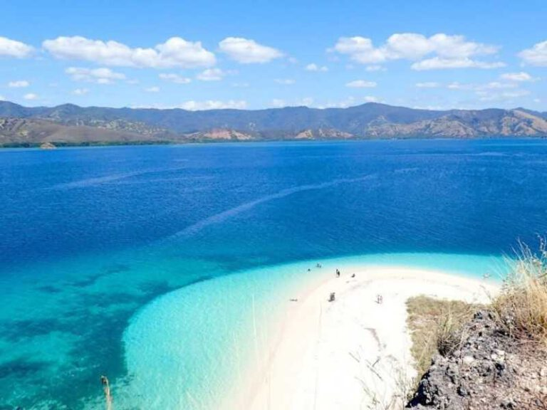 800 - Flores - beautiful-scenery-from-riung-island