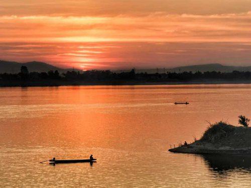 800 - Laos - dusk-3158011_1920