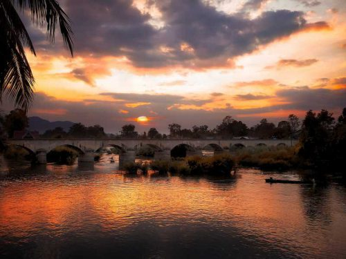 800 - Laos - sunset-3558681_1920