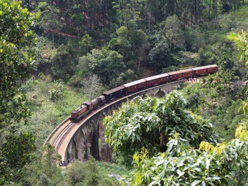 800 - Sri Lanka - train-3203713_1920
